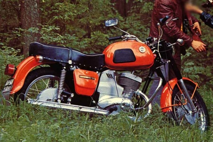 История легендарного советского мотоцикла ИЖ Планета-3 (6 фото)