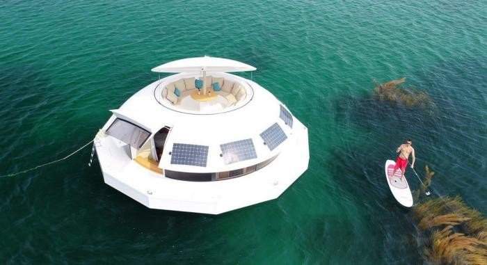 Элитный гостиничный номер с подводными спальнями (9 фото)