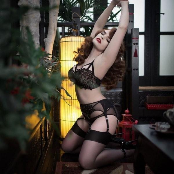 Сексуальные девушки в чулках (35 фото)