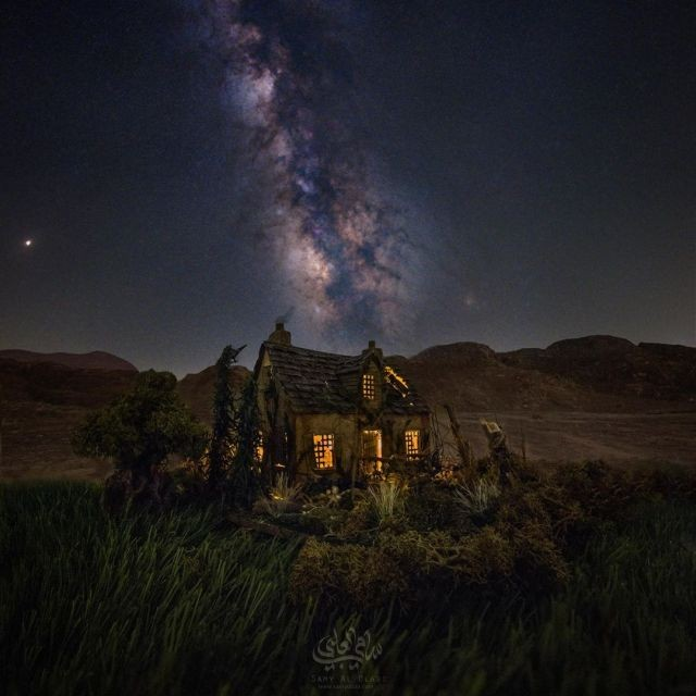 Реалистичные и космические мини-фото от египетского фотографа (16 фото)