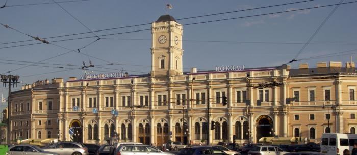 Россияне дожили до бесплатных туалетов на вокзалах (2 фото)