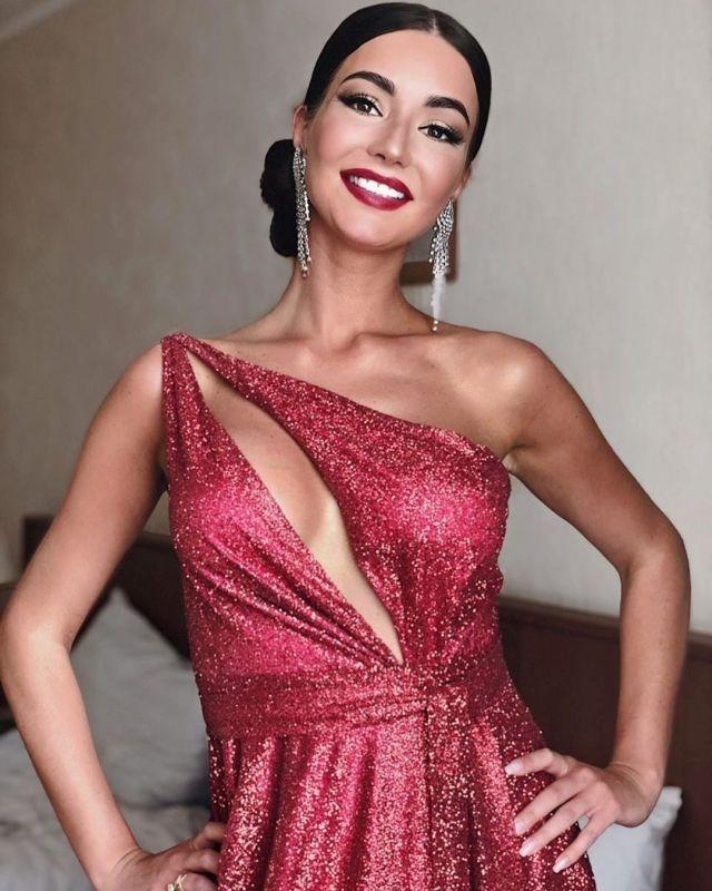 Красавица из Калуги покорила жюри конкурса Миссис Европа 2019(18 фото)