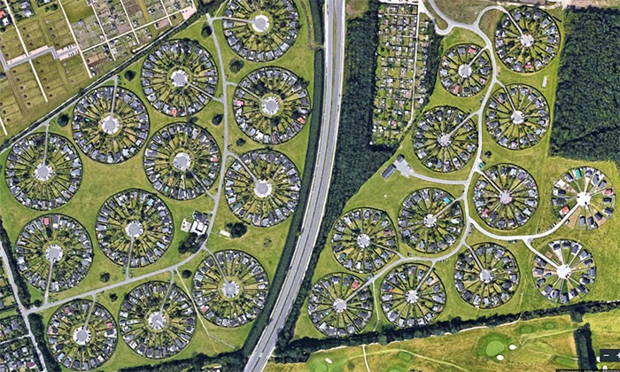 Необычный «город садов» в Дании (7 фото)