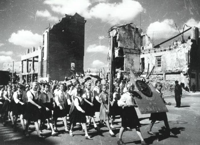 Атмосферные фотографии советских детей (19 фото)