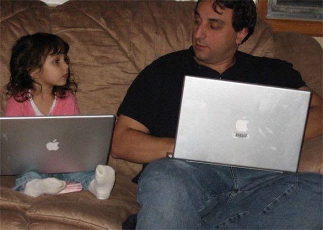 Мужчина делает одинаковые фото с дочерью с 2007 года (4 фото)