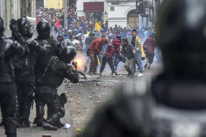 Протесты в Эквадоре (16 фото)