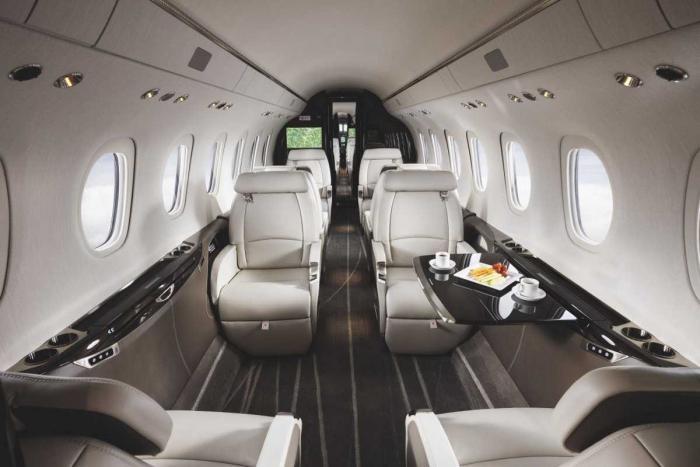 Внутри пяти самых роскошных частных самолетов (16 фото)