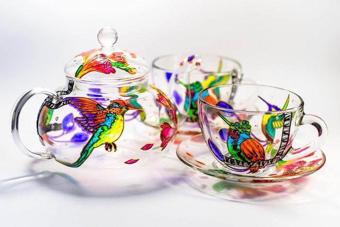 Художница из Украины волшебно расписывает стеклянную посуду (25 фото)
