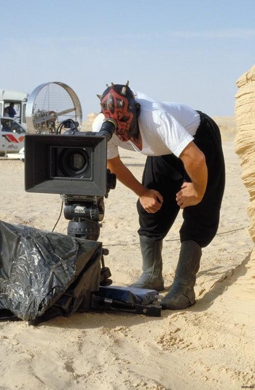 Закадровые снимки со съёмок культовых фильмов (15 фото)