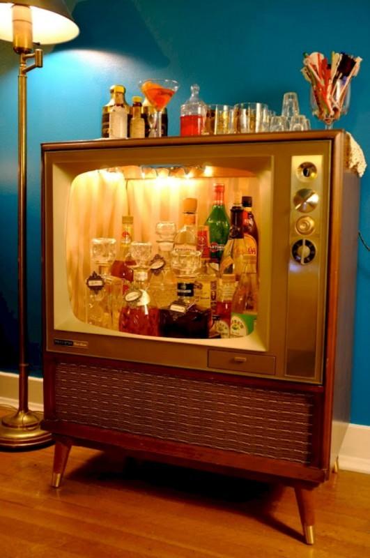 Креативные барные стойки из старых вещей (17 фото)