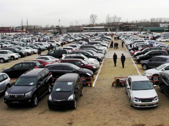 Куда деваются непроданные новые автомобили (6 фото)