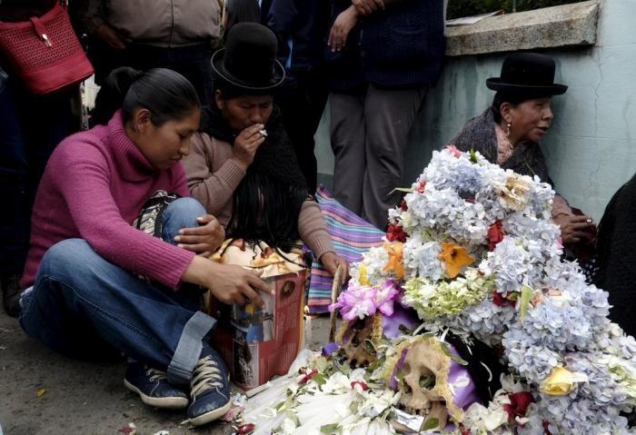 Как празднуют в Боливии День мертвых (14 фото)