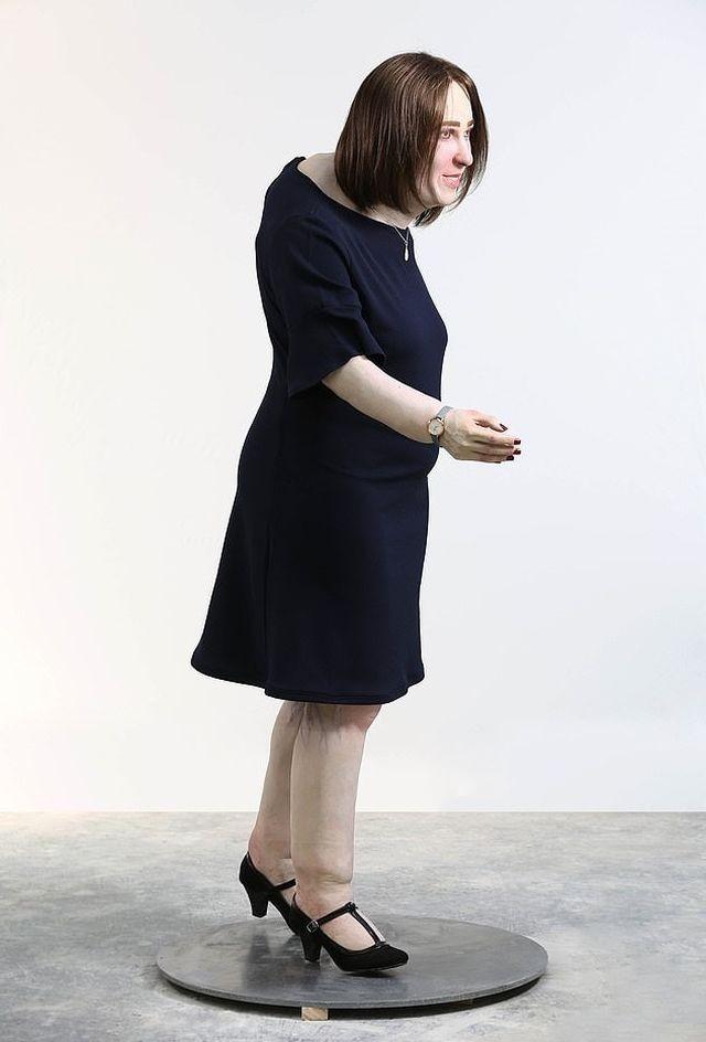 Ученые показали,как будет выглядеть офисный сотрудник через 20 лет (5 фото)