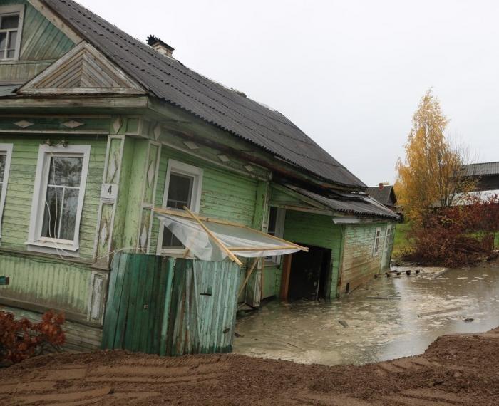 В Белозерске произошло ЧП со скважиной (3 фото)