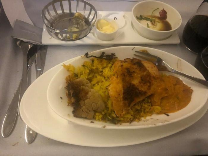 Не самая аппетитная еда в самолетах (10 фото)