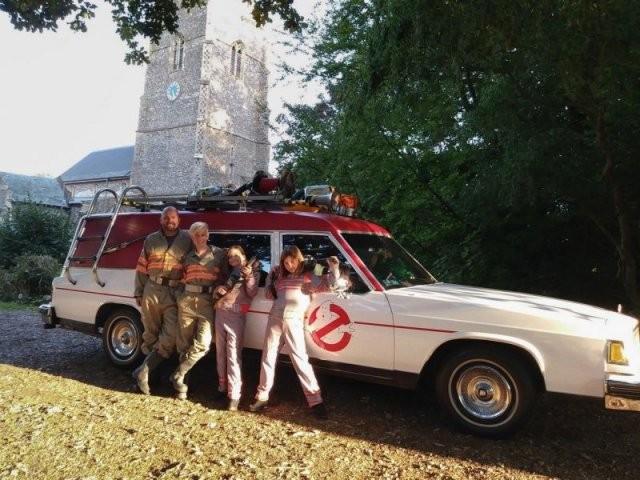 Переделал катафалк в автомобиль охотников за привидениями (6 фото)