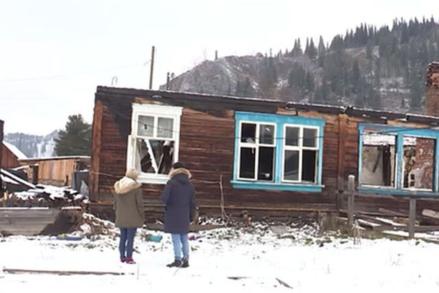 В Хакасии начальник пожарной части поджигал дома для проверки (3 фото)