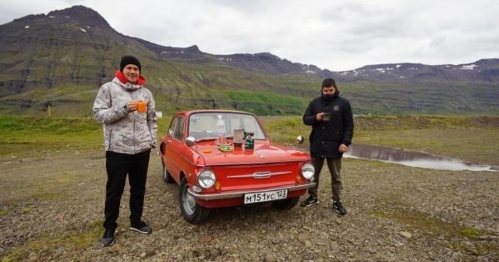 Россияне доехали до Исландии на красном «Запорожце» (5 фото)