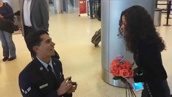 Забавные случаи в самолетах и аэропортах (20 фото)