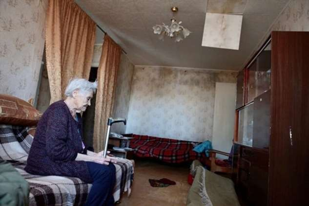 В Челябинске старую хрущевку с пенсионерами затопило кипятком (5 фото)