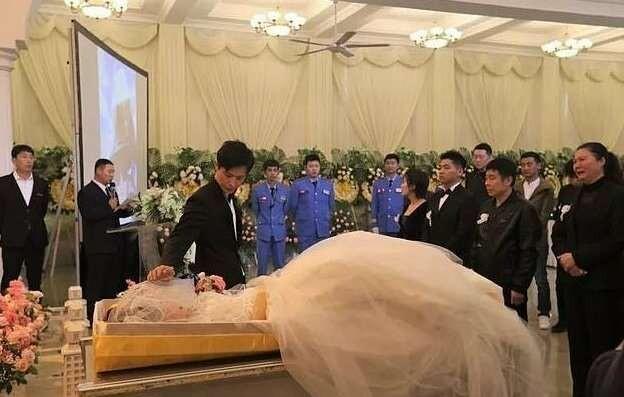 Безутешный жених взял в жены мертвую невесту (9 фото)