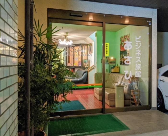 Маленький секрет самого дешевого отеля Японии (6 фото)