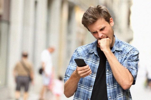В Томске будут лечить от смартфонной зависимости (2 фото)