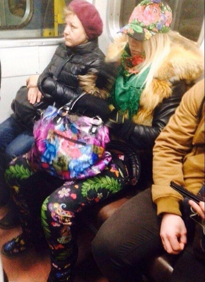 Модники и чудаки из метрополитена (30 фото)