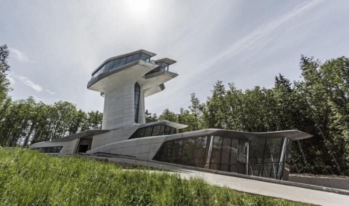 Владислав Доронин продает свой дом за 6,5 миллиардов (11 фото)