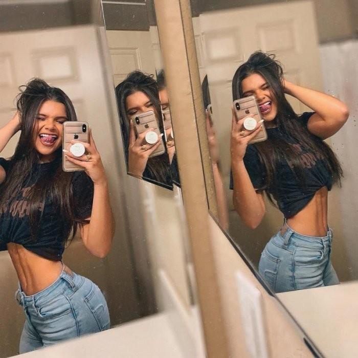 Девушки в джинсах и джинсовых шортах (22 фото)