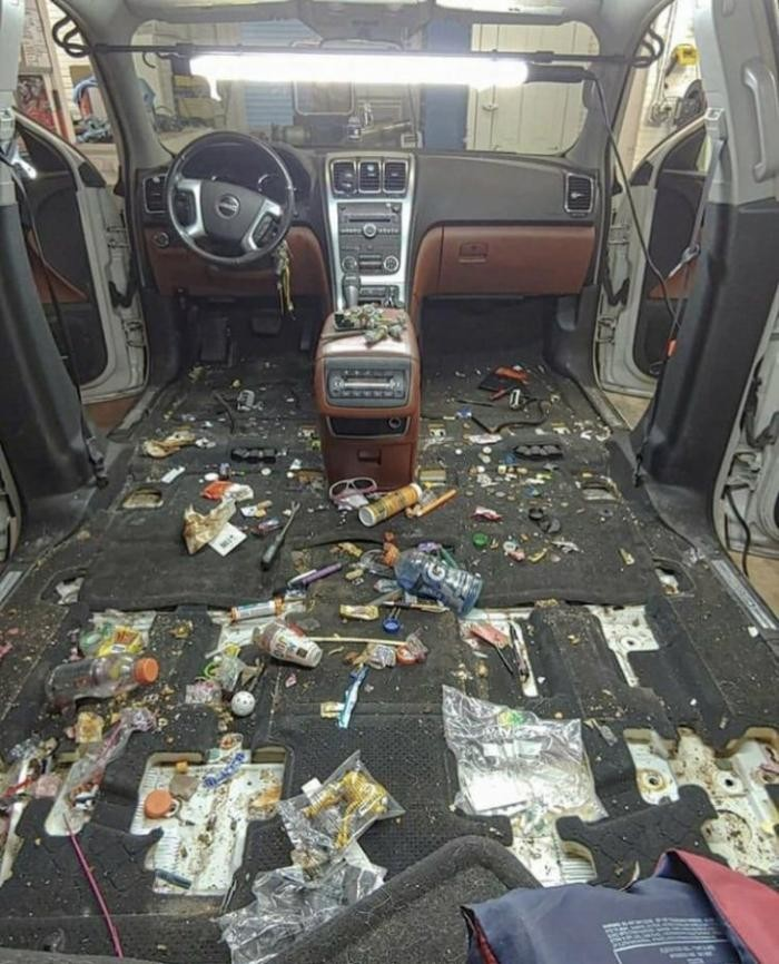 Будни работников химчистки авто (6 фото)