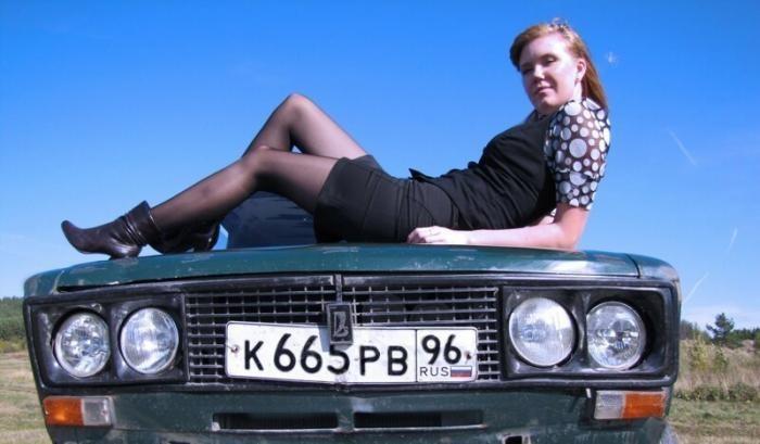 Девушки, которым не важно, на какой вы машине (17 фото)