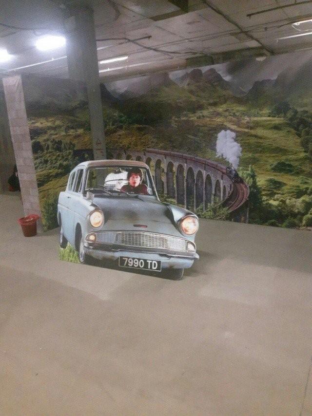 В Челябинске открылся музей Гарри Поттера - и люди в шоке (3 фото)