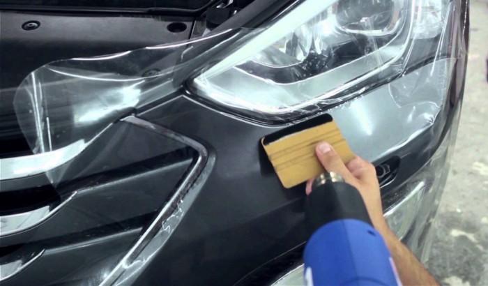 Зачем европейские автомобилисты обклеивают своим машины (4 фото)