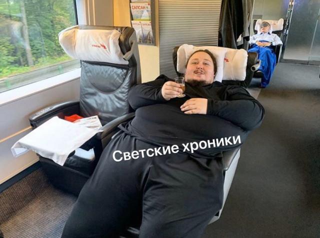 Сын Никаса Сафронова отреагировал на скандальное видео (3 фото)