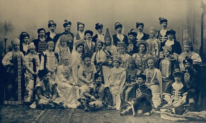 Грандиозные балы ХХ века, которые вошли в историю (6 фото)