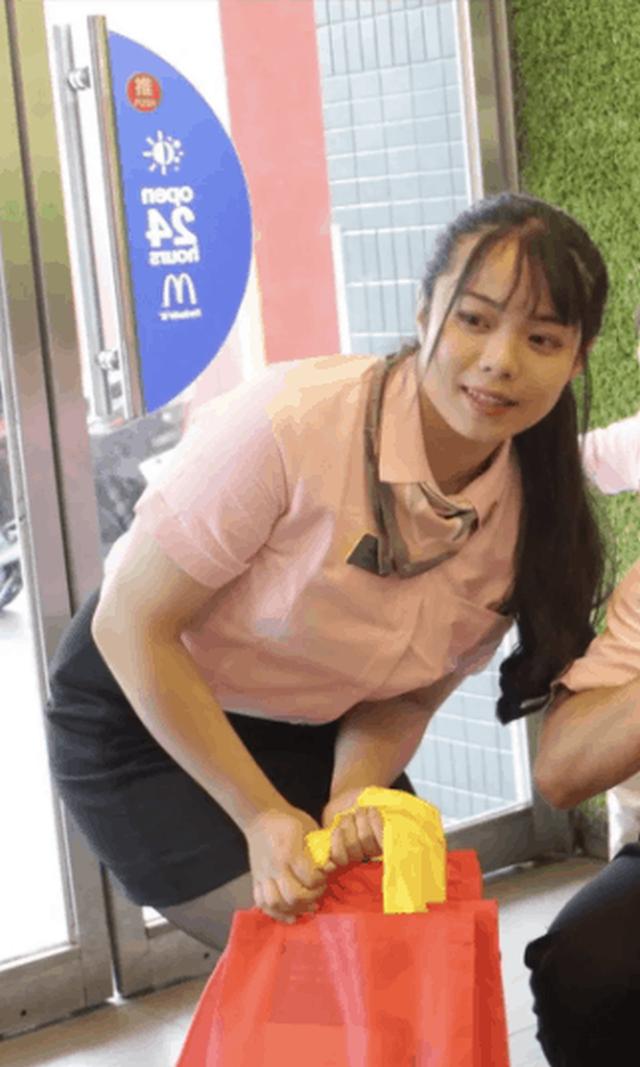 Девушка три месяца питалась в McDonald's и похудела (5 фото)