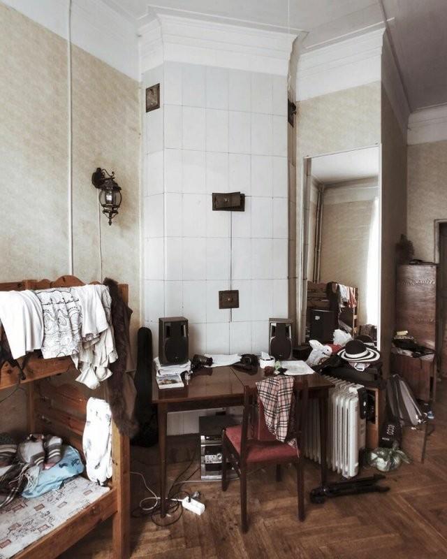 Неповторимый колорит российских «коммуналок» (17 фото)