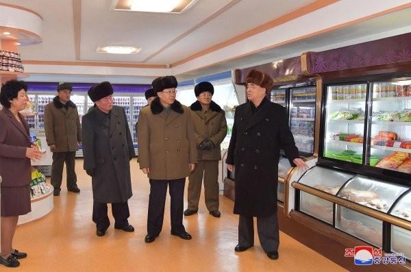 В Северной Корее состоялось открытие нового города (12 фото)