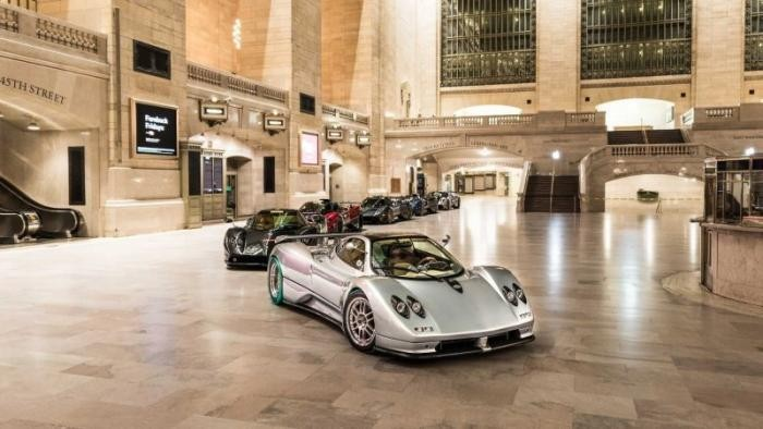 Pagani превратили вокзал Нью-Йорка в шоу-рум суперкаров (14 фото)