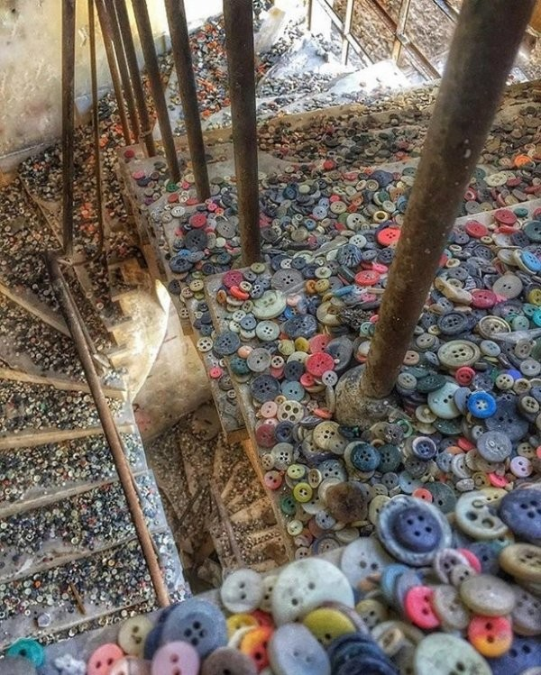 Заброшенные места, на которых время оставило свой отпечаток (16 фото)