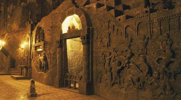 Самые таинственные подземные города в истории (8 фото)