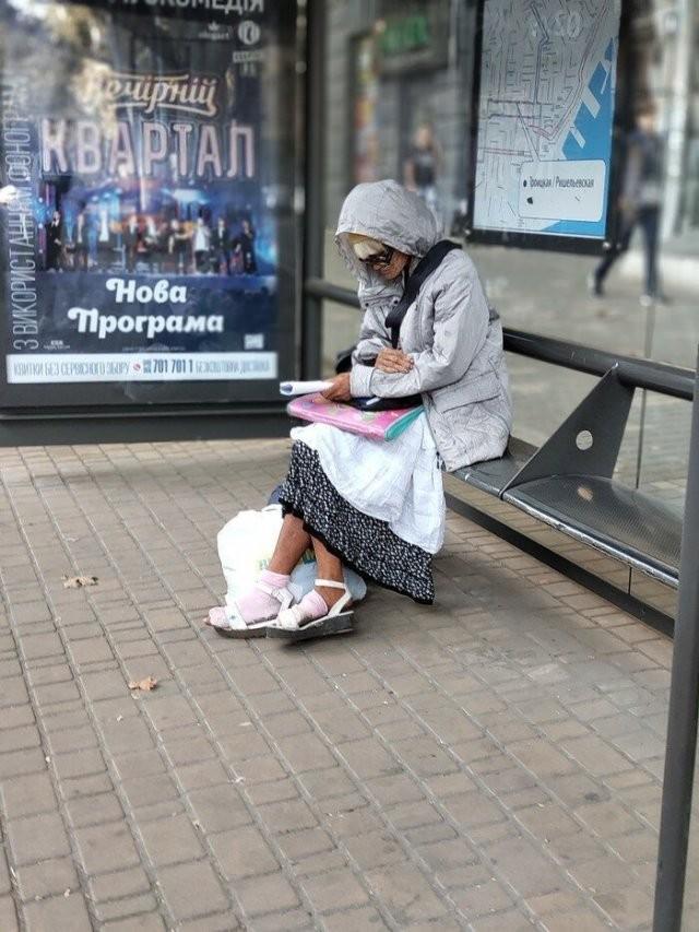 Удивительные поступки бабушек (20 фото)