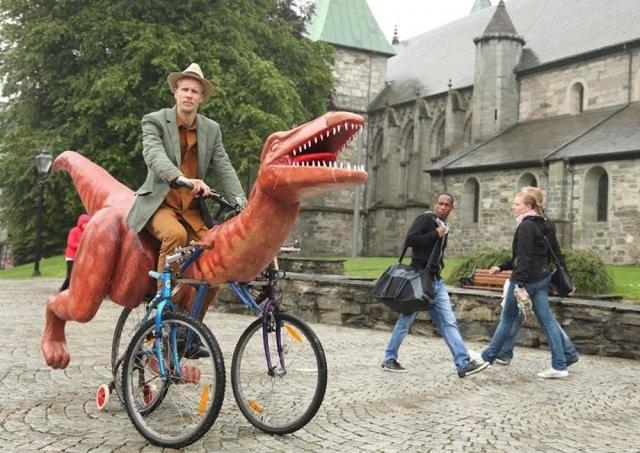 Думаете, что динозавры вымерли? (4 фото)