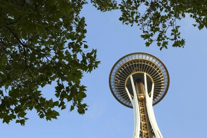 Отреставрированная башня Спейс-Нидл в Сиэтле (21 фото)