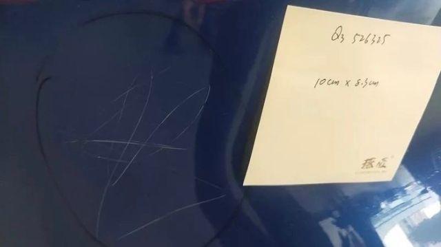 Не берите с собой детей, когда идёте покупать автомобиль (2 фото)