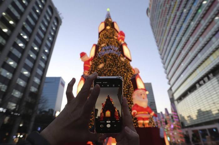 Новогоднее оформление городов мира (10 фото)