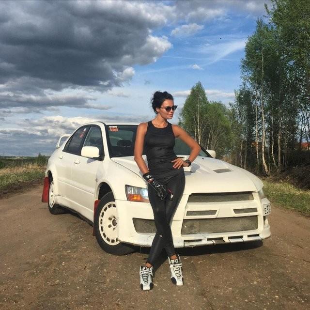 Одна из самых желанных автоледи мира: Инесса Тушканова (11 фото)