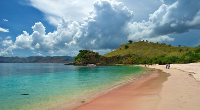Пляжи, где можно обойтись без розовых очков (10 фото)