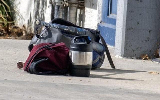 Немец нашел на улице рюкзак с ценными предметами (2 фото)